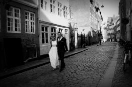 Carol and John walking at the streets in Copenhagen.